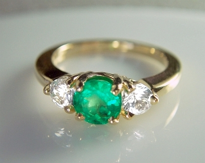 Emerald Gemstones The Mystical Benefits of Wearing them in Style